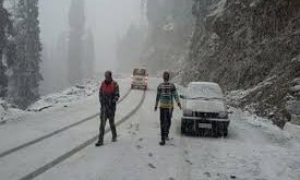 Amid snowfall at upper , MeT predicts dry spell for next ten days in Kashmir