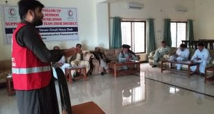Red Crescent holds first-aid training for journalists, government officials