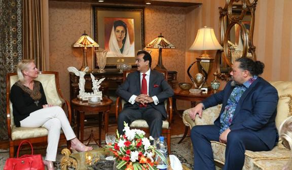 P. Aggeler meets Yousaf Raza Gilani in Lahore to discuss Pak-US ties